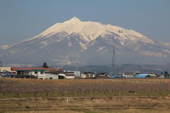 岩木山2012.4.21.JPG